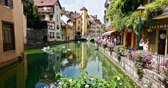 annecy-3317995_960_720